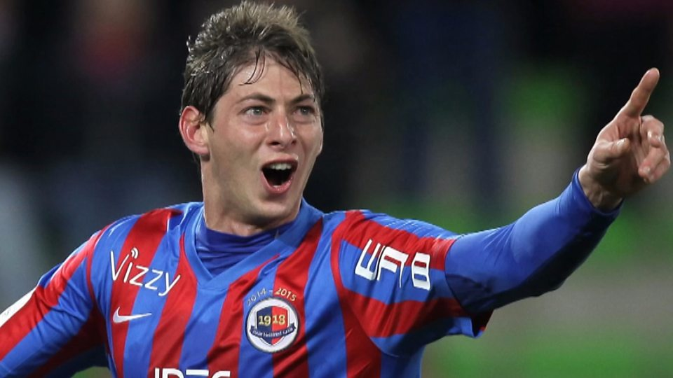 Emiliano Sala: Julien Laurens on 'warrior spirit' of Argentine striker