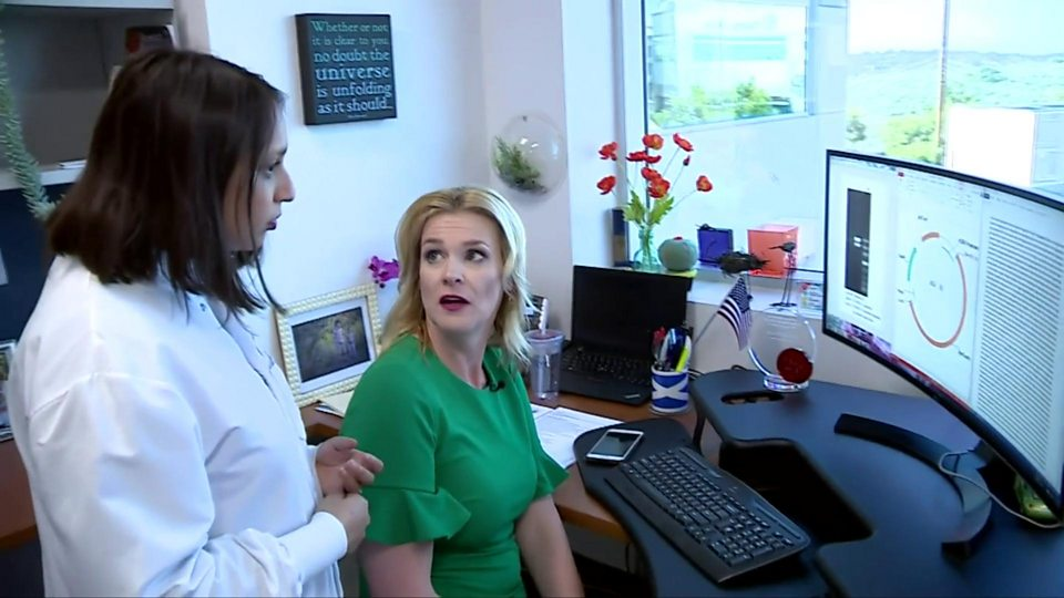 Coronavirus: US volunteers test first vaccine - BBC News