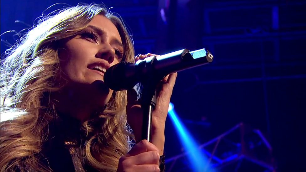 BBC One Top Of The Pops New Year Jonas Blue Feat Dakota - Fast car 2016 song