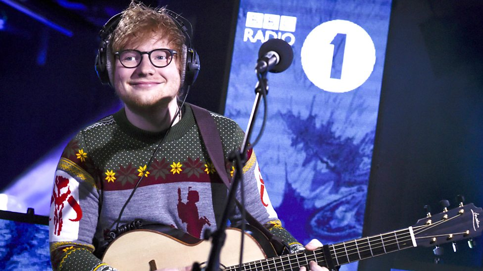 [WATCH] BBC Radio 1 - Ed Sheeran joins us for a special Christmas Live Lounge and covers The Pogues' Fairytale of New York