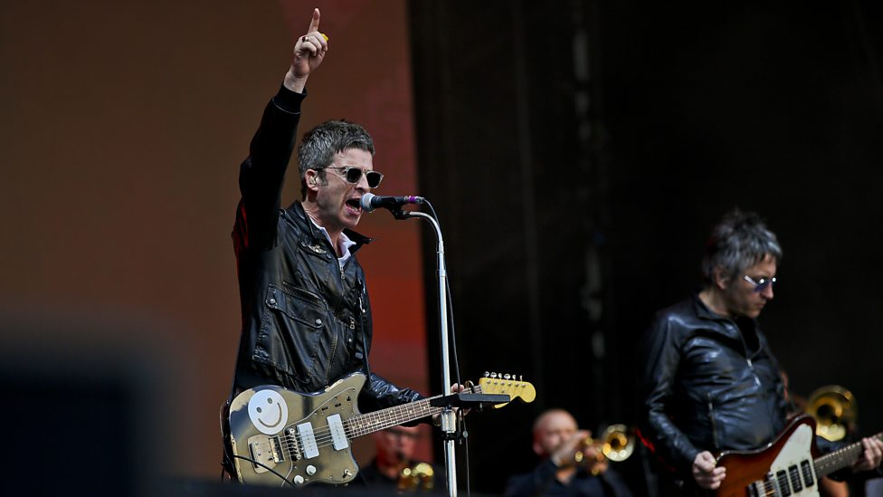 [WATCH] Noel Gallagher's High Flying Birds performing Oasis's Don't Look Back in Anger