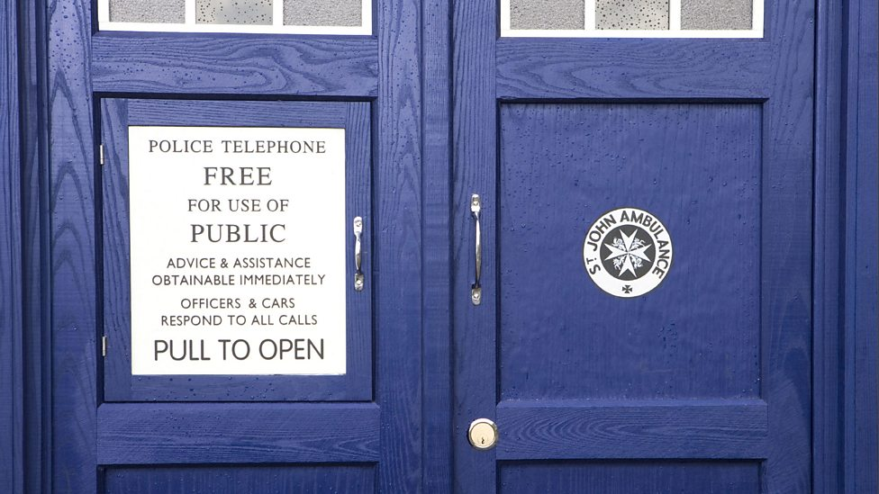 bbc one tardis doors doctor who series 5 the time of angels