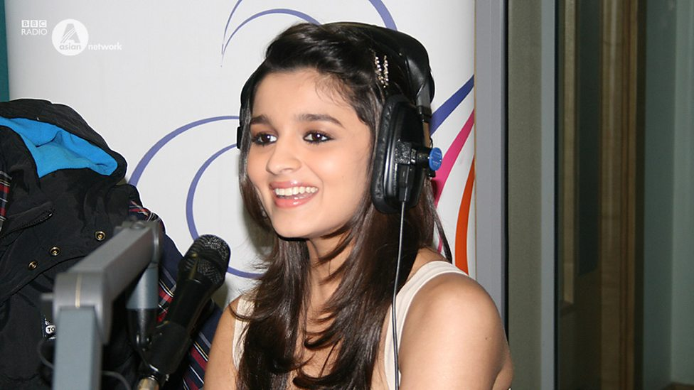 Alia bhatt student of the year congratulate, excellent