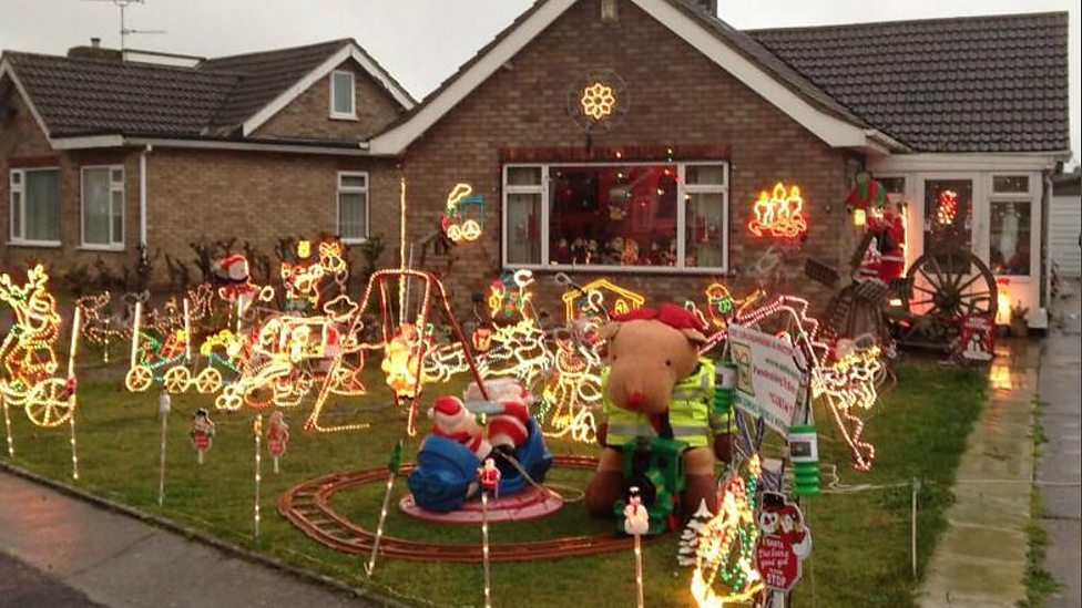 Christmas lights - BBC Radio Lincolnshire - William Wright, The Virtual Red Arrows