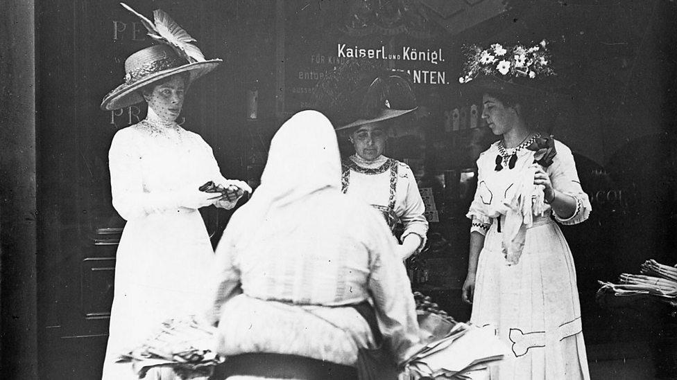 Vienna ladies