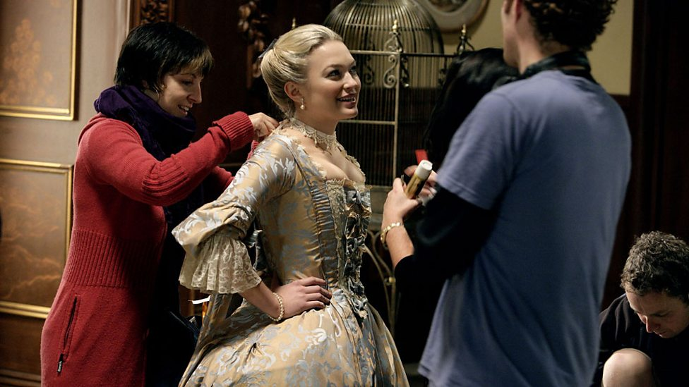 BBC One - Making The Girl in the Fireplace - Doctor Who, Series 2 ...