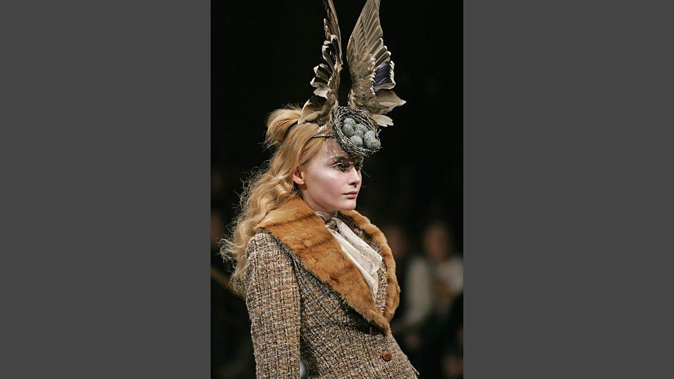 Bird s Nest headdress with Swarovski gemstones Philip Treacy and Shaun  Leane for Alexander McQueen b8208c9c7f2