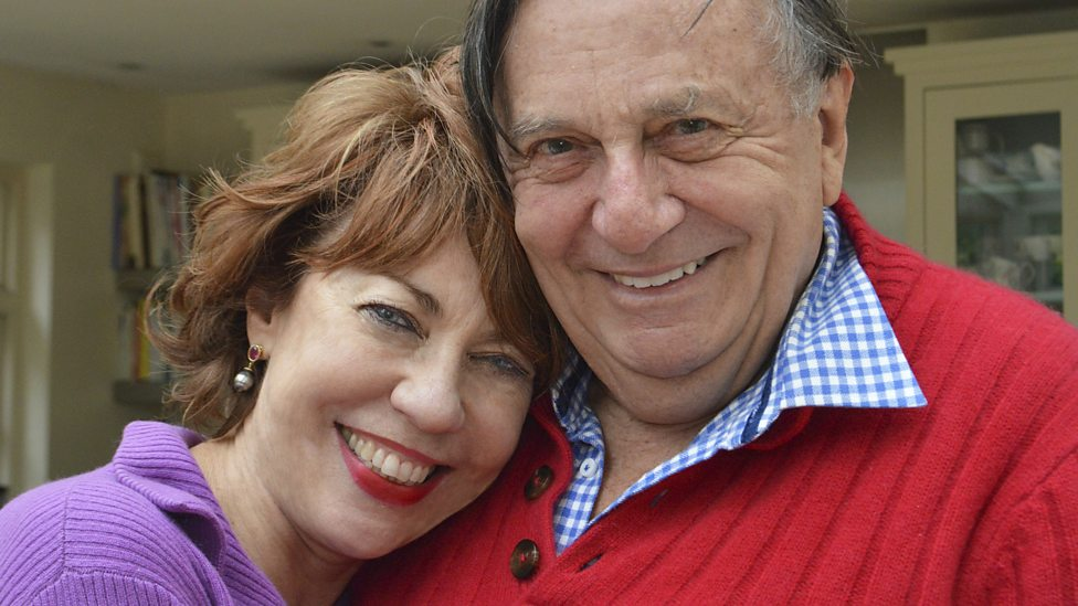 Barry Humphries: Gladdies All Over