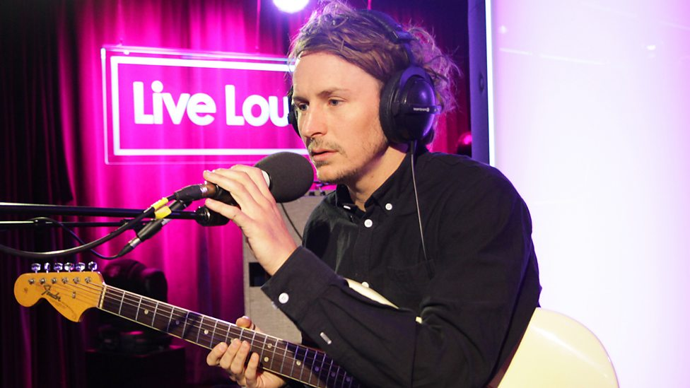 Bbc Radio 1 Fearne Cotton Ben Howard Is In Live Lounge Ben Howard In The Live Lounge Ben Howard