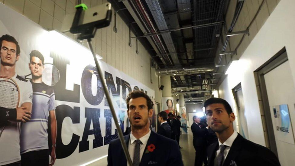 Murray & Djokovic do mannequin challenge