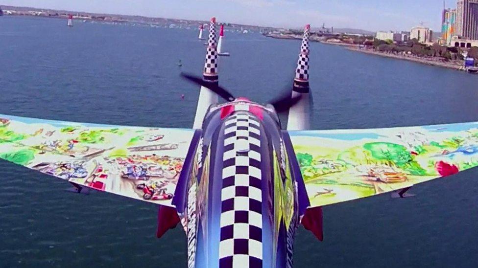 Amazing aeroplane acrobatics!!!