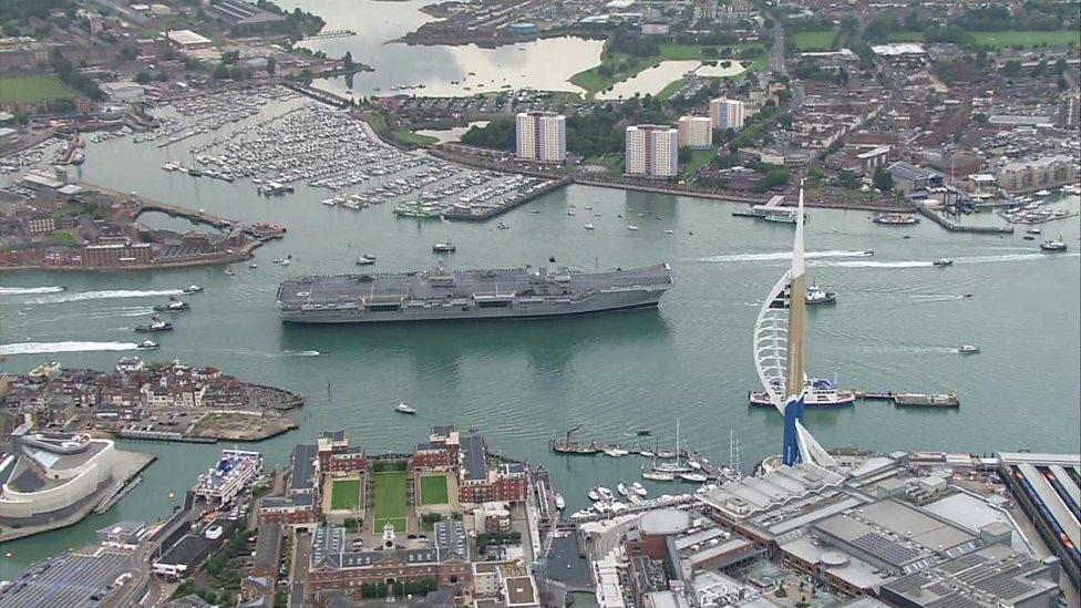 HMS Queen Elizabeth arrives in Portsmouth