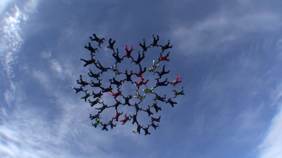Super brave record-breaking skydivers!