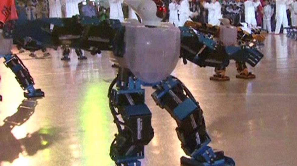 Robots do kung fu!
