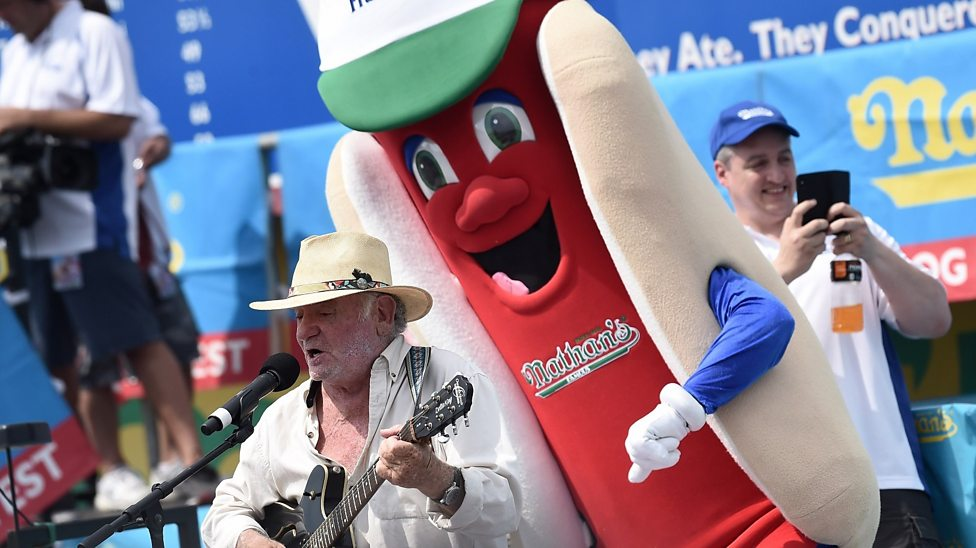 Hot dog eating record smashed at US contest