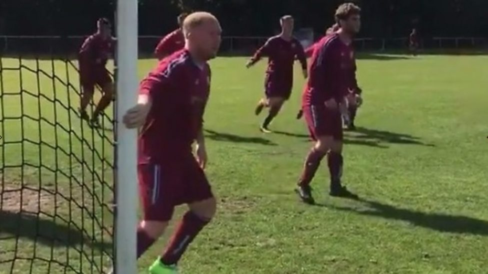 Paul Scholes: Manchester United great plays for Royton Town in Manchester  Premier League