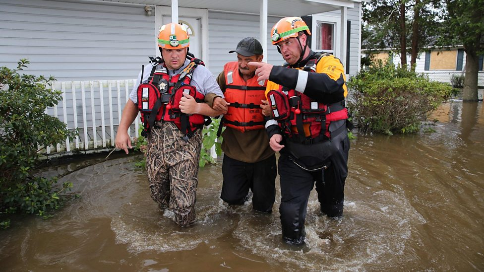 Hundreds rescued as US flooding continues