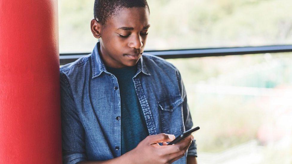 Is social media putting pressure on boys?