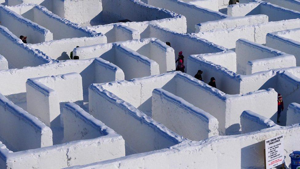 A-maze-ing snow labyrinth