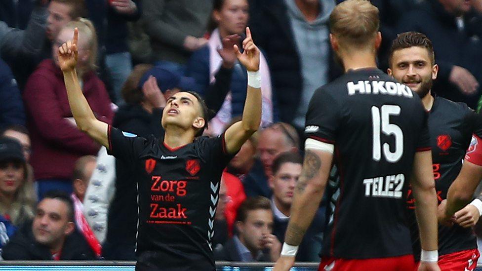 Ajax 4 1 Fc Utrecht Ajax Concede Goal 36 Seconds After Kick Off Bbc Sport