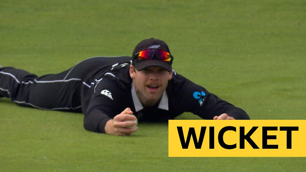 Cricket World Cup: England's Eoin Morgan dismissed by New Zealand's Jimmy  Neesham in final
