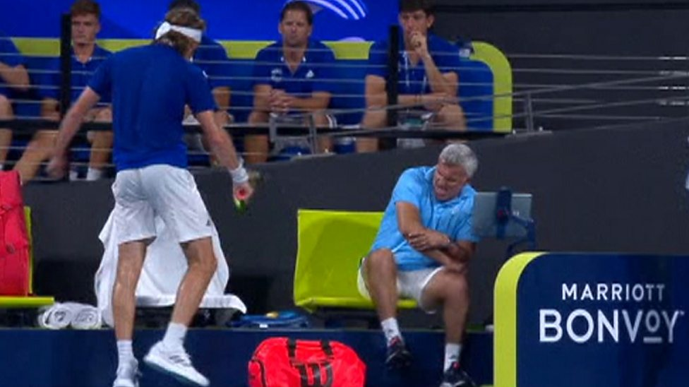 Stefanos Tsitsipas Told Off By Mum After Hitting Dad With Racquet Bbc Sport