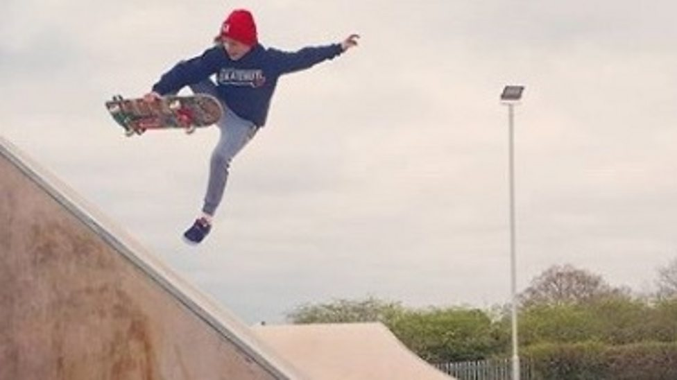 Meet Roxanna - England's new skateboard champ