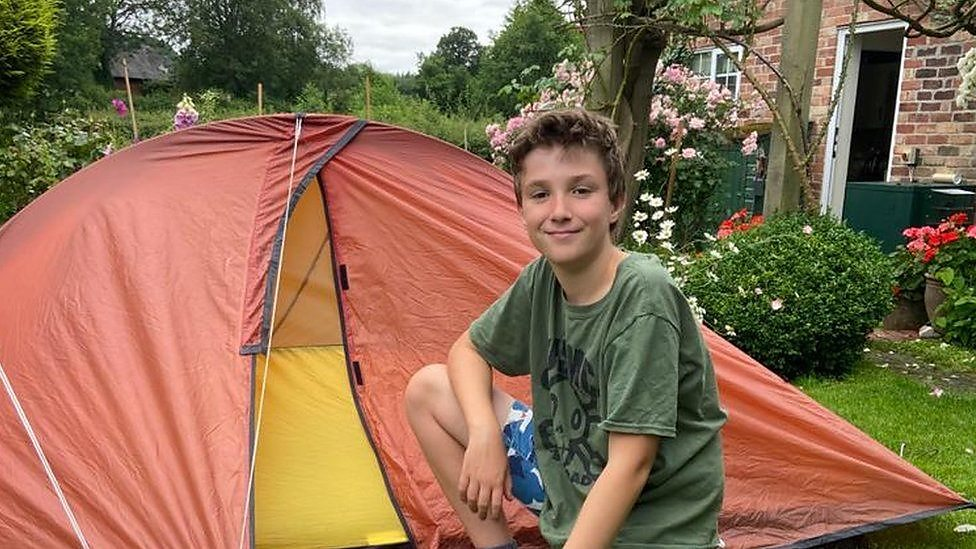 Meet the 11-year-old who's slept outside for a year!