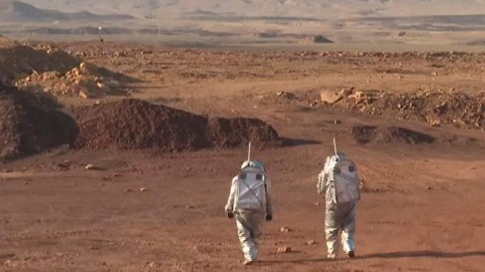 Astronauts head to desert to prepare for Mars missions