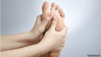 calambres en piernas y pies causas