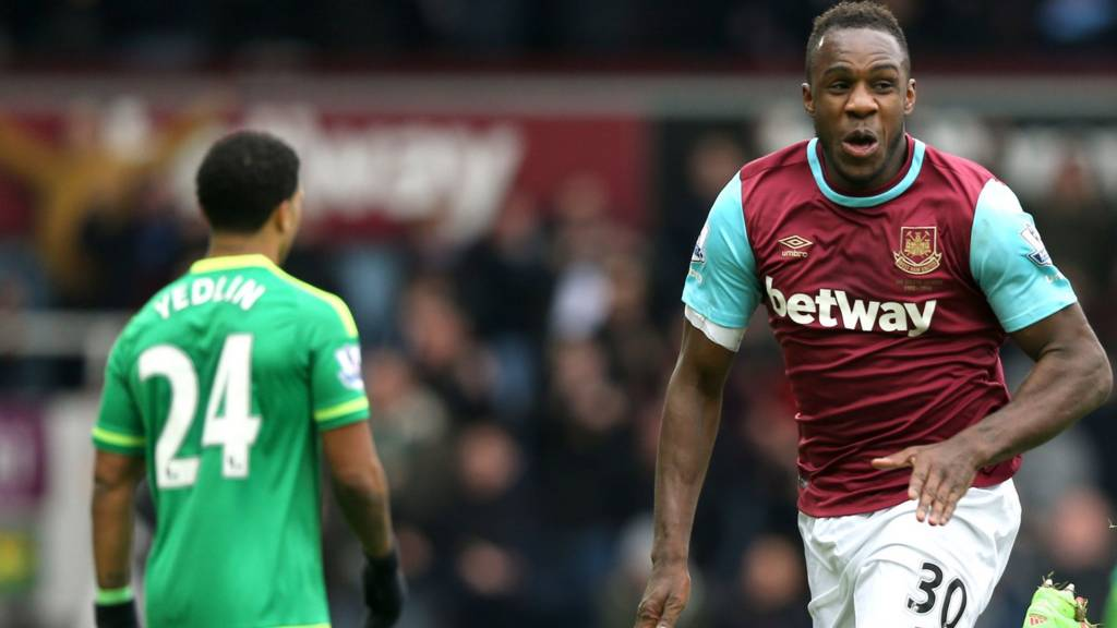 Michail Antonio celebrates