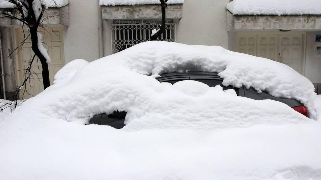 برف در رشت