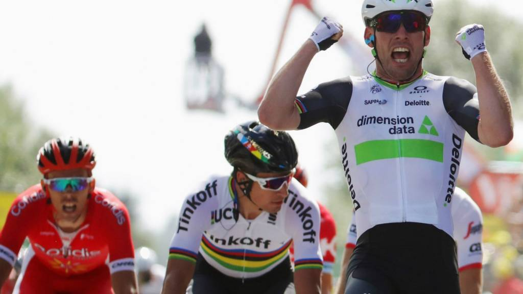 Mark Cavendish wins the first stage