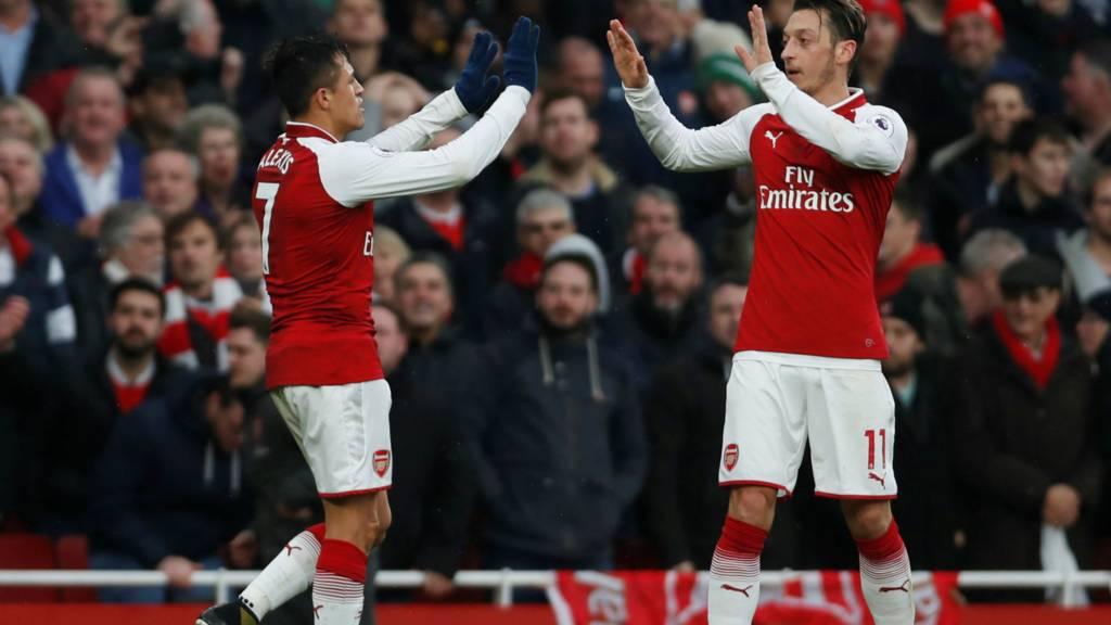 Sanchez scores for Arsenal