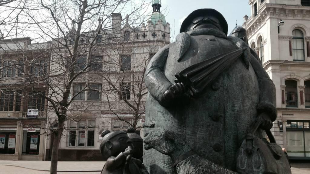 Giles the Granny statue in Ipswich