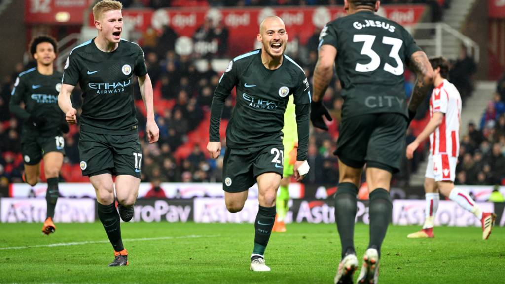 Silva scores twice for Manchester City