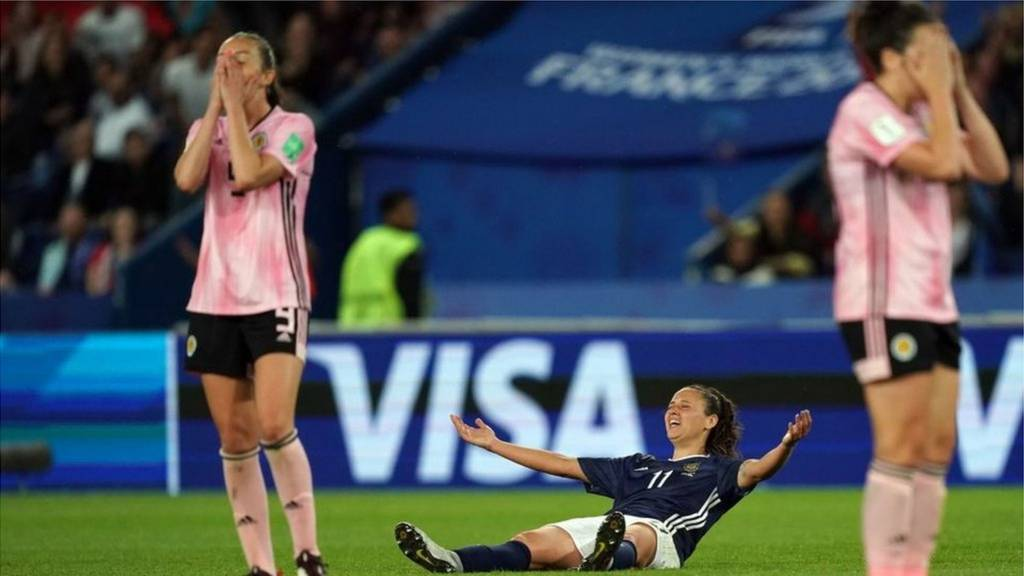 Agony for Scotland as late Argentina penalty drama ends World Cup dream