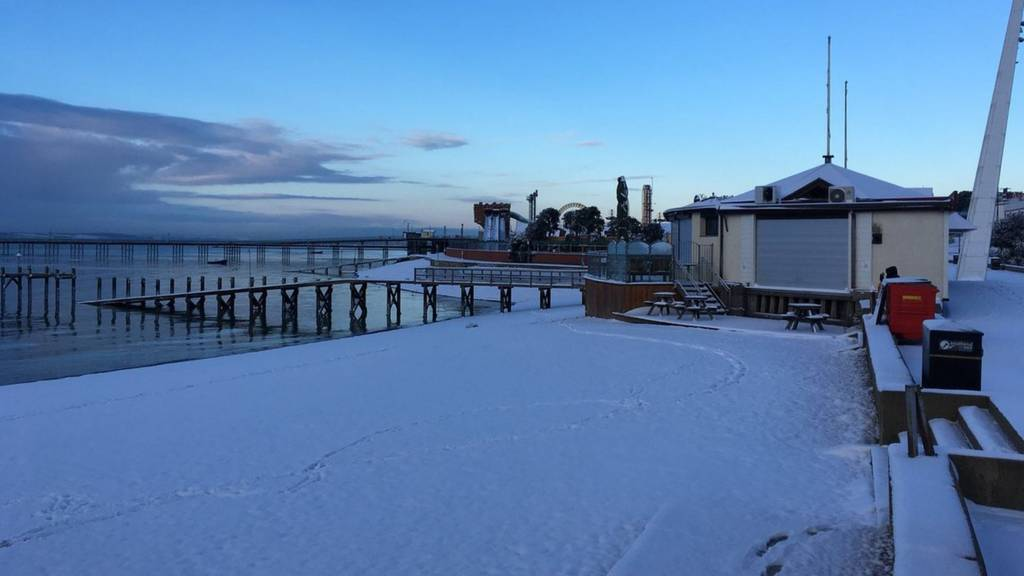 Southend sea front in the snow
