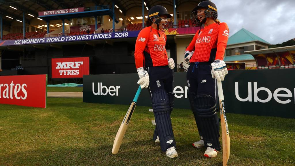 Tammy Beaumont of England and Danielle Wyatt