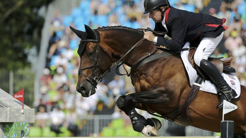 Equestrian Gb S Nick Skelton Wins Show Jumping Gold