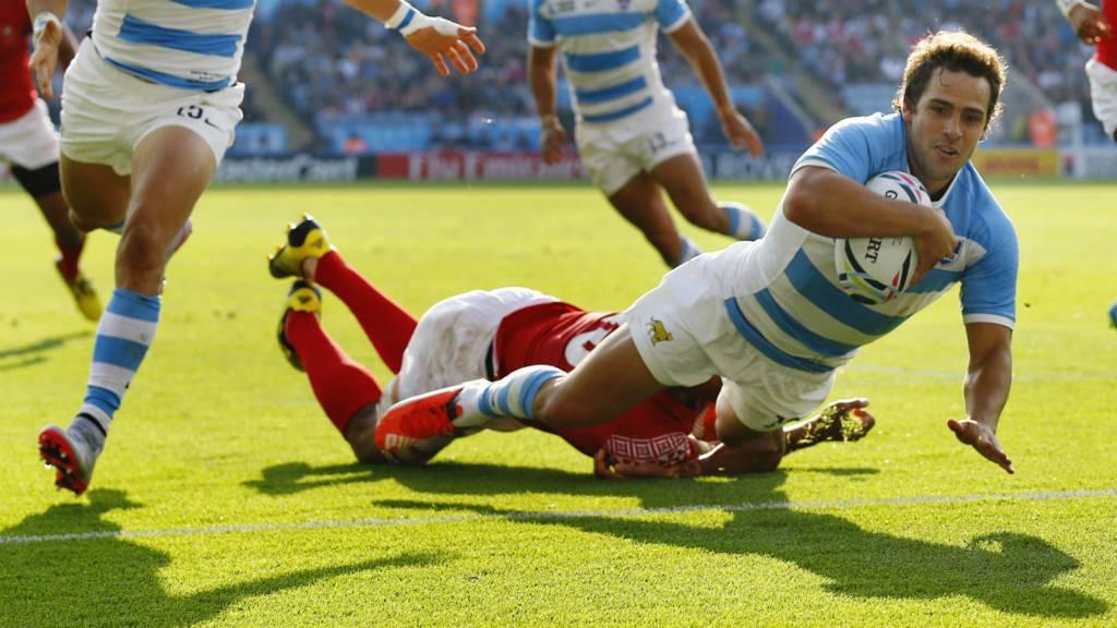 Nicolas Sanchez scores a try