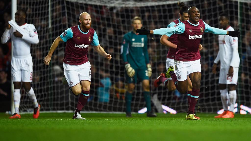Angelo Ogbonna celebrates