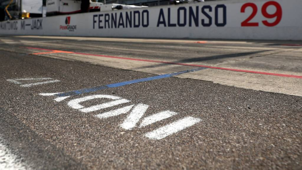 Alonso sign