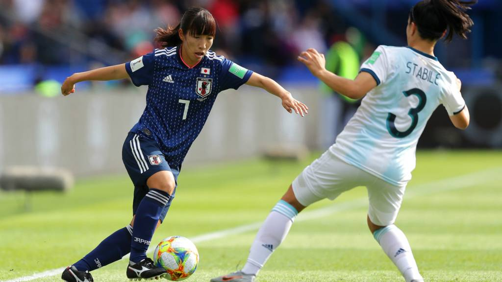 Stubborn Argentina holds Japan to goalless draw