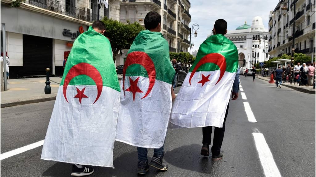 طلبة جزائريون
