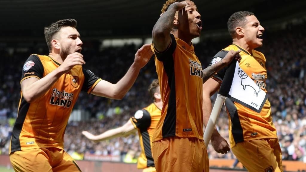 Hull striker Abel Hernandez HERO