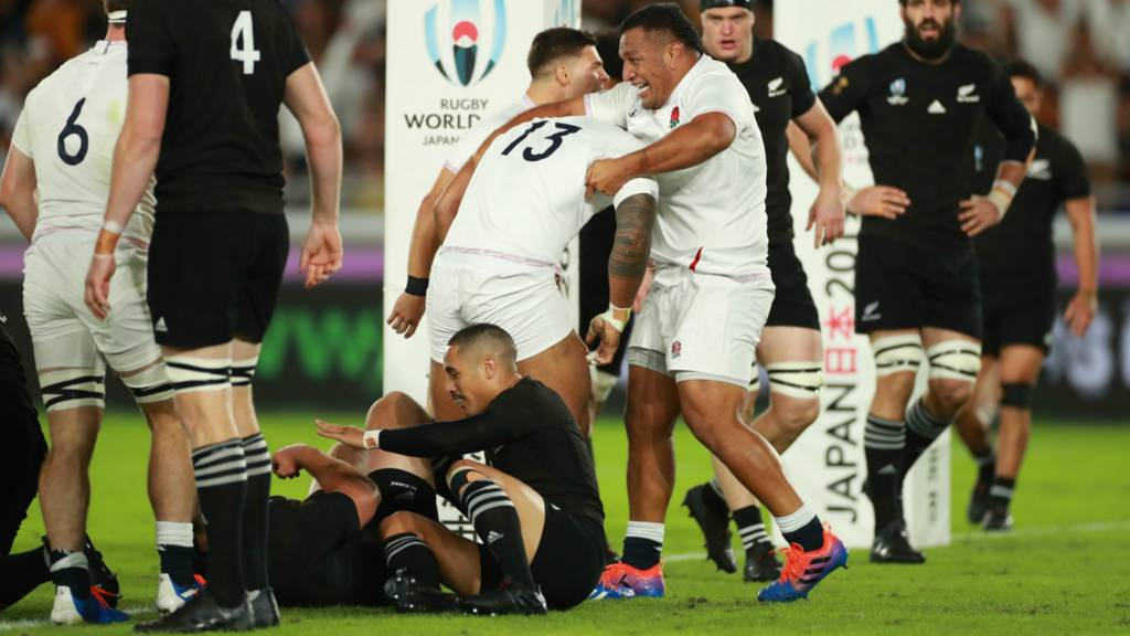 England score their first try