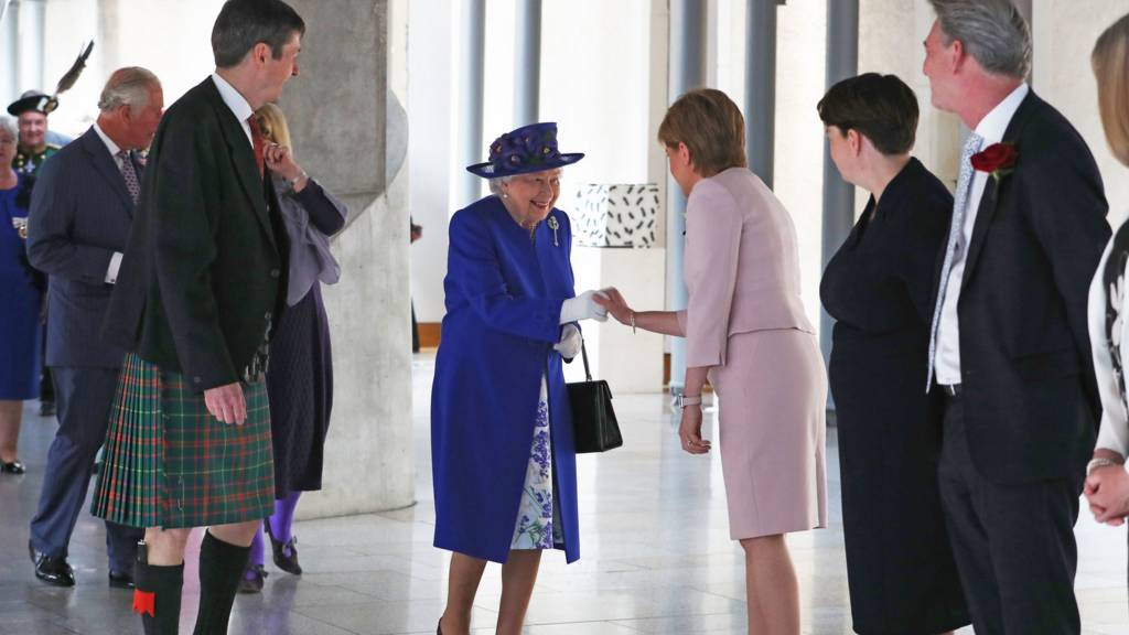 The Queen at parliament
