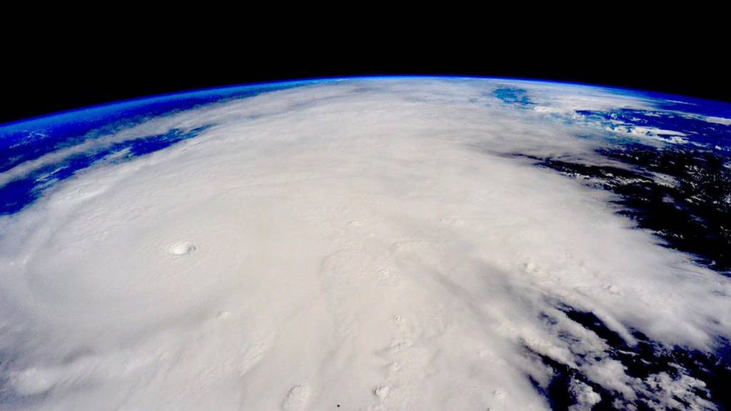 Hurricane Patricia Makes Landfall As It Happened Bbc News