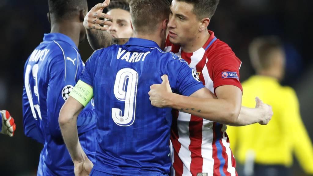 Jamie Vardy embraces Jose Gimenez